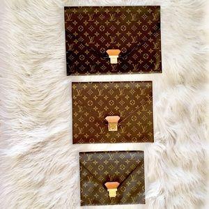 Louis Vuitton Bags - 💯LOUIS VUITTON MONOGRAM POCHES PLATES
